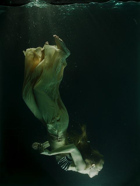 underwater-2387501_640