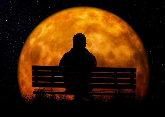 moon-3141248_960_720